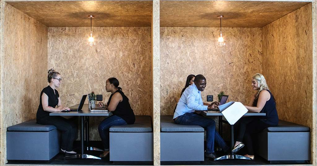 Traditional vs. Shared Office Space: A Side-by-Side Comparison