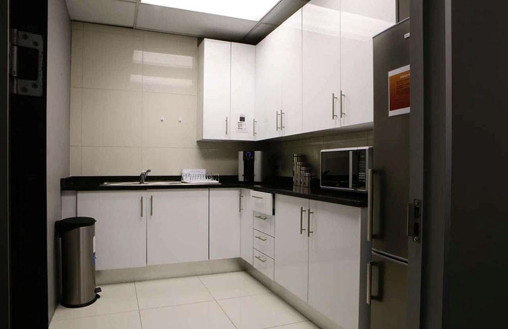 Sunninghill communal kitchen